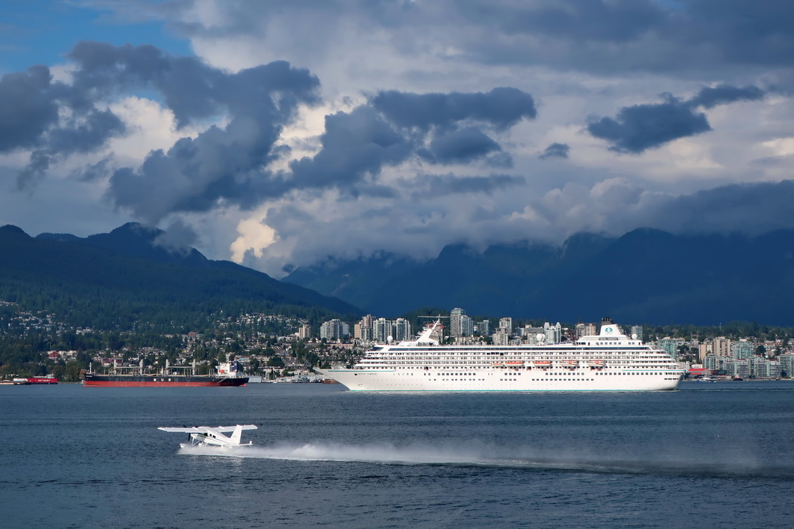 Heavy traffic in the channel between Vancouver and North Vancouver