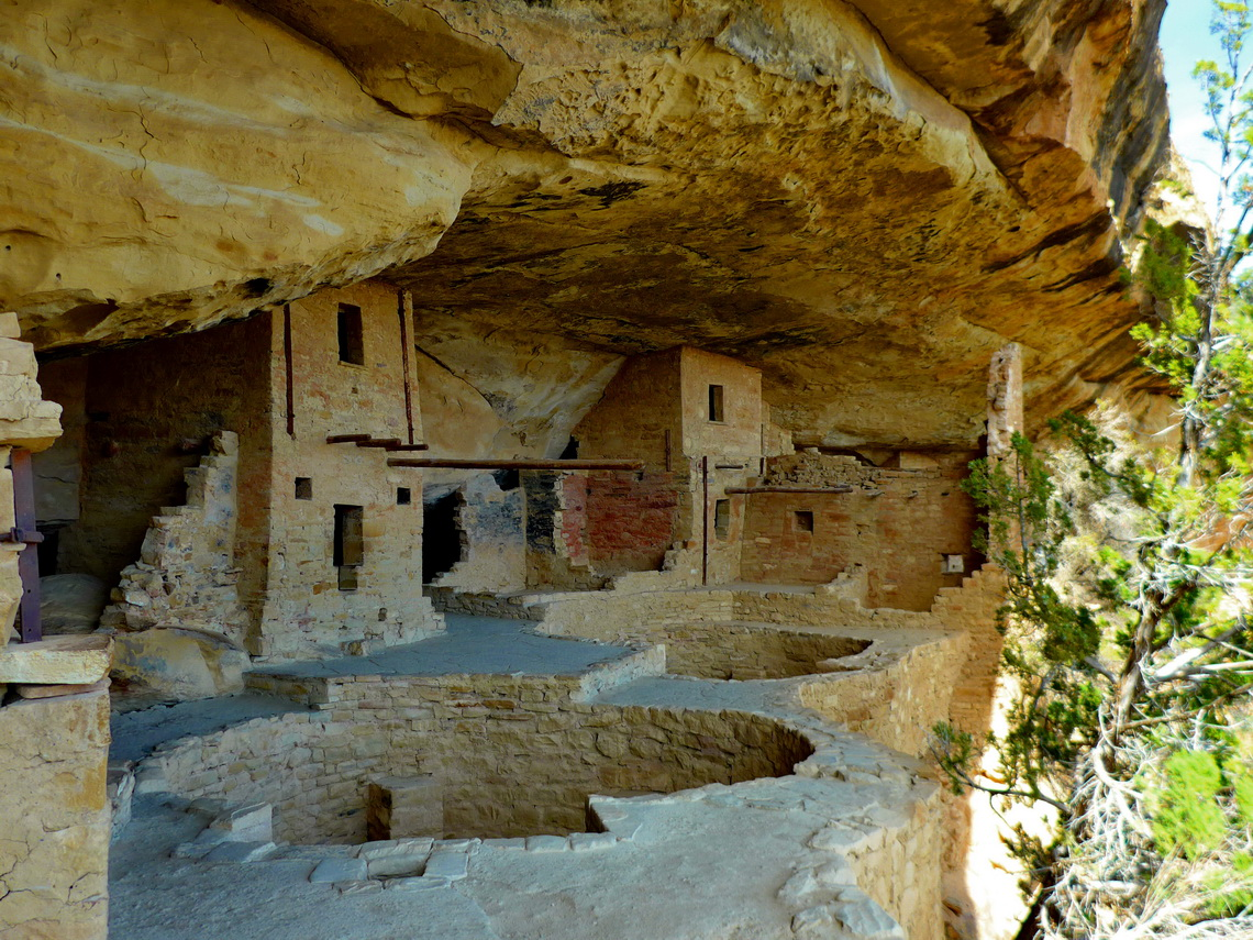 Inside of the 800 years old Balcony House with two kivas