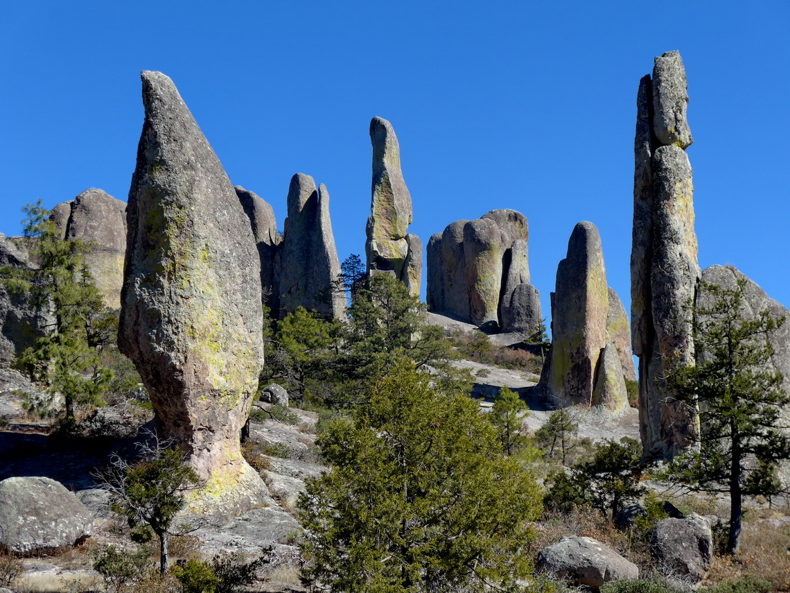 Pinnacles in the Valle de los Monjes