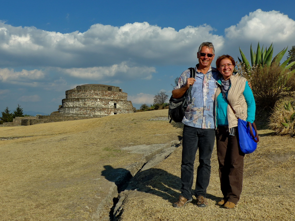 Alfred with his auntie Jarushka in the ruins of Calixtlahuaca