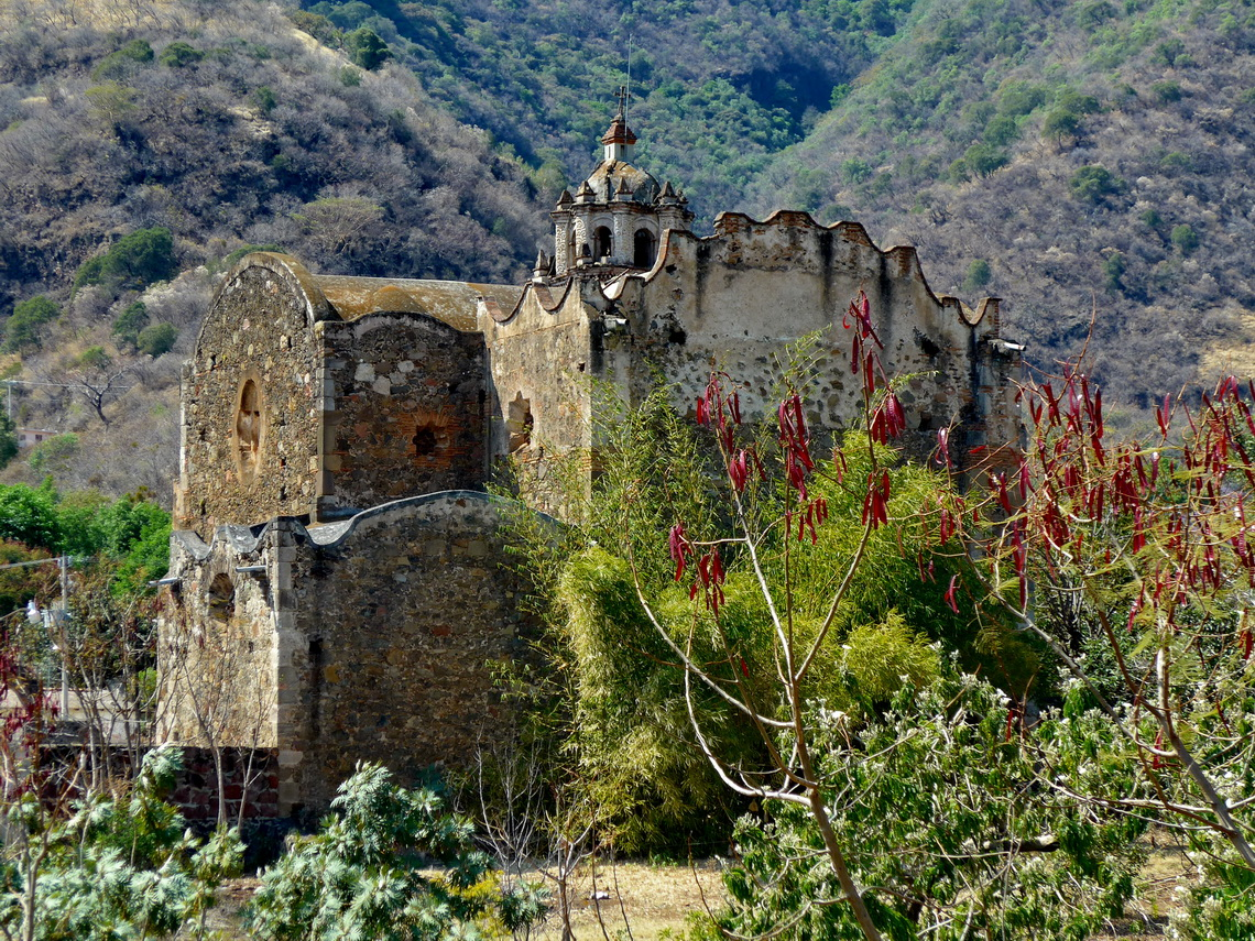 Church San Nicolas few kilometers north of Malinalco