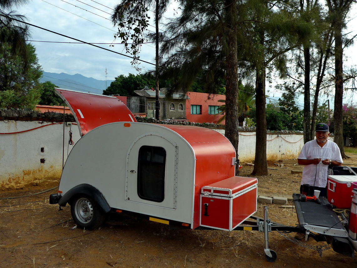 Self-made Mexican trailer on the campsite in Oaxaca City (which is closed now!)