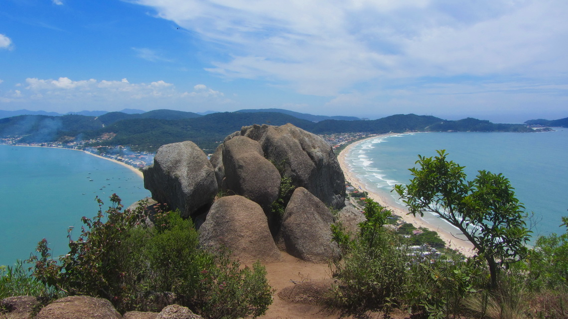 Beaches of Canto Grande seen from the top of Morro do Macacu (196 meters sea-level, GPS coordinates: S27 12.196 W48 29.812)