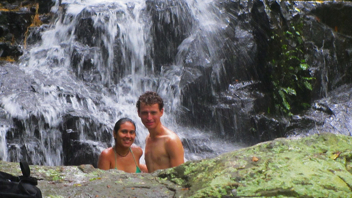 Adriana and Elvis in the waterfall close to Praia Triste