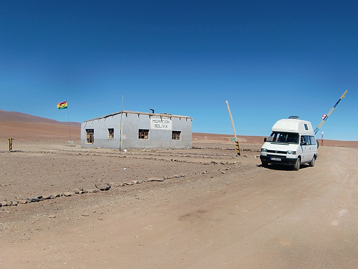 The Bolivian frontier building at Laguna Blanca
