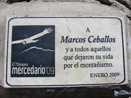 Memorial plate at Guanaquitos