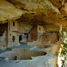 800 years old Balcony House with two kivas - round chambers used for religious, social and utilitarian purposes
