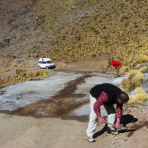 Removing and softening the ice on the street to the pass Abra del Acay - more than 30 meters!
