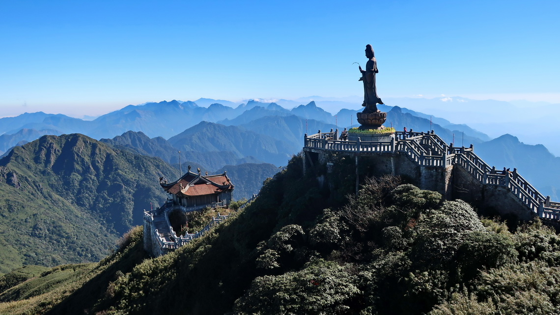 Guan Yin Statue close to the summit of Fansipan
