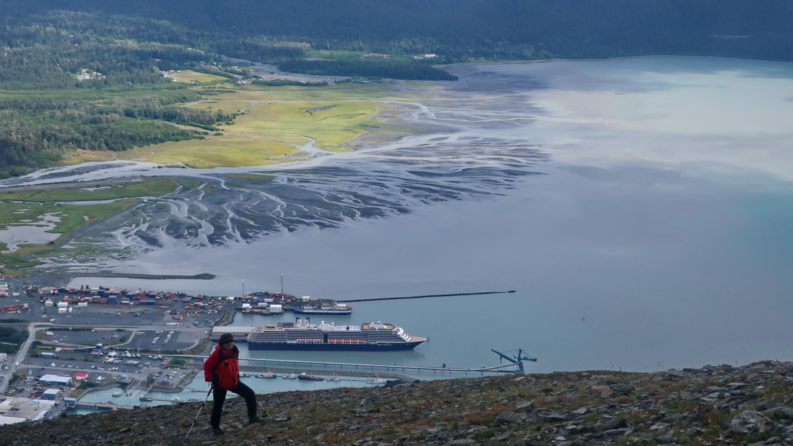 Port of Seward seen from the descent of Race Point