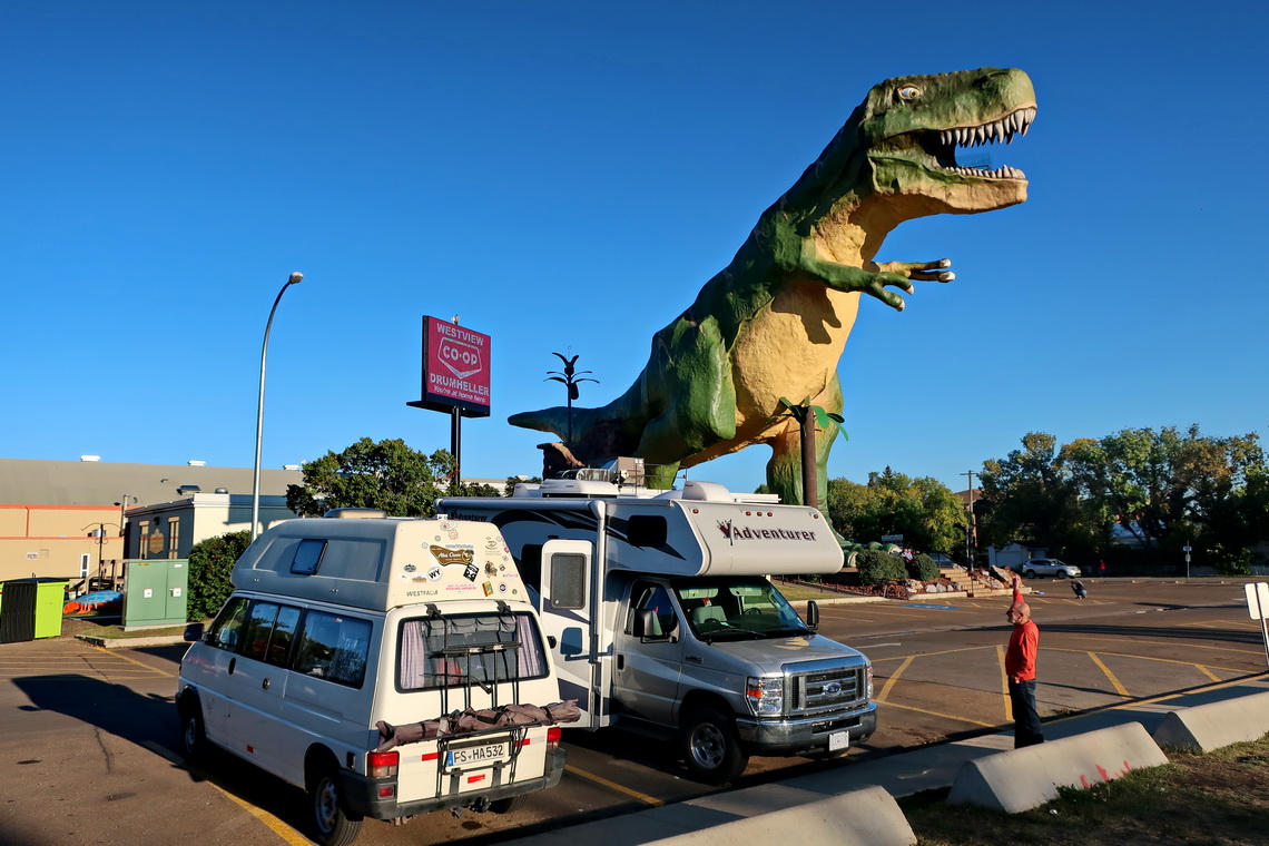 The highest artificial Dinosaur on earth in Drumheller (26 meters)