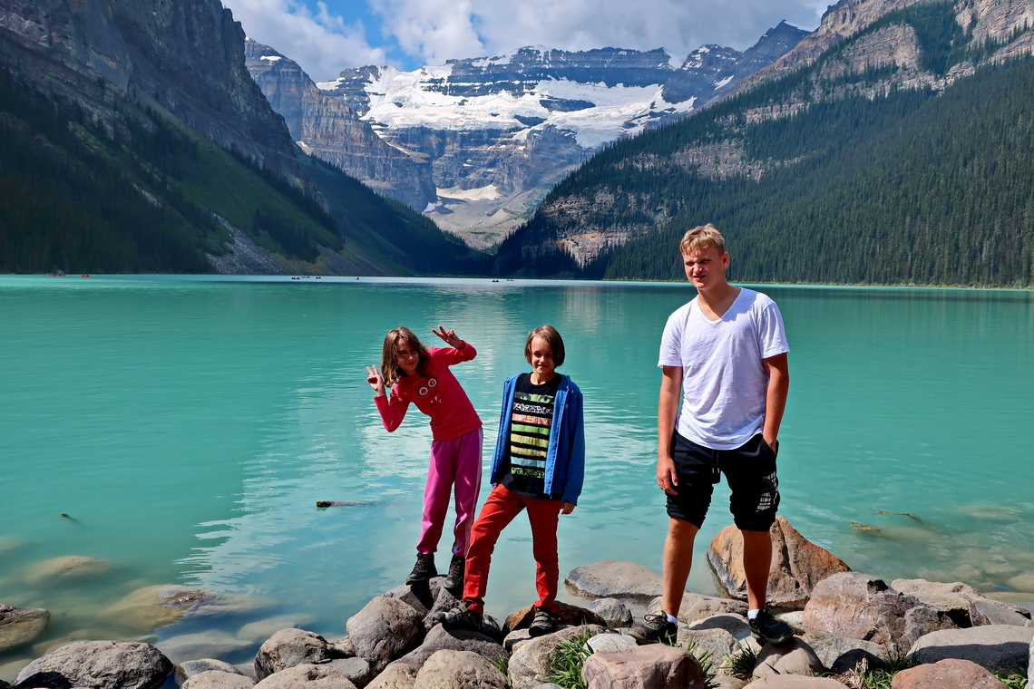 Rosemarie, Jay and Kuba on Lake Louise
