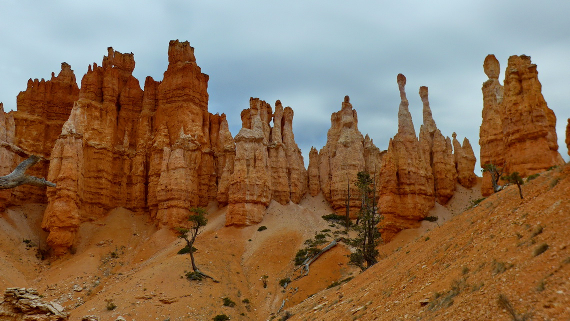 Hoodoos seen on the Peekaboo Loop Trail
