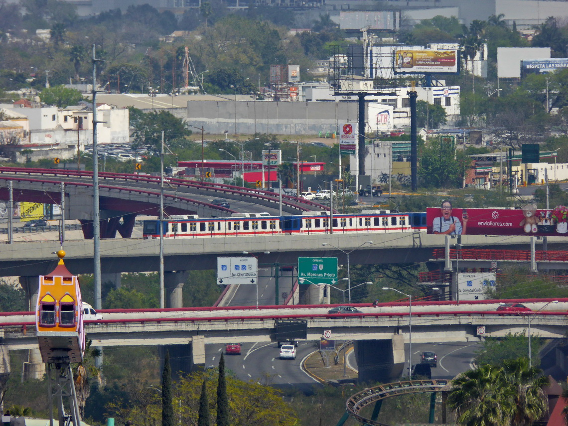 Empty Streets of Monterrey with its metro train (on Sunday!)