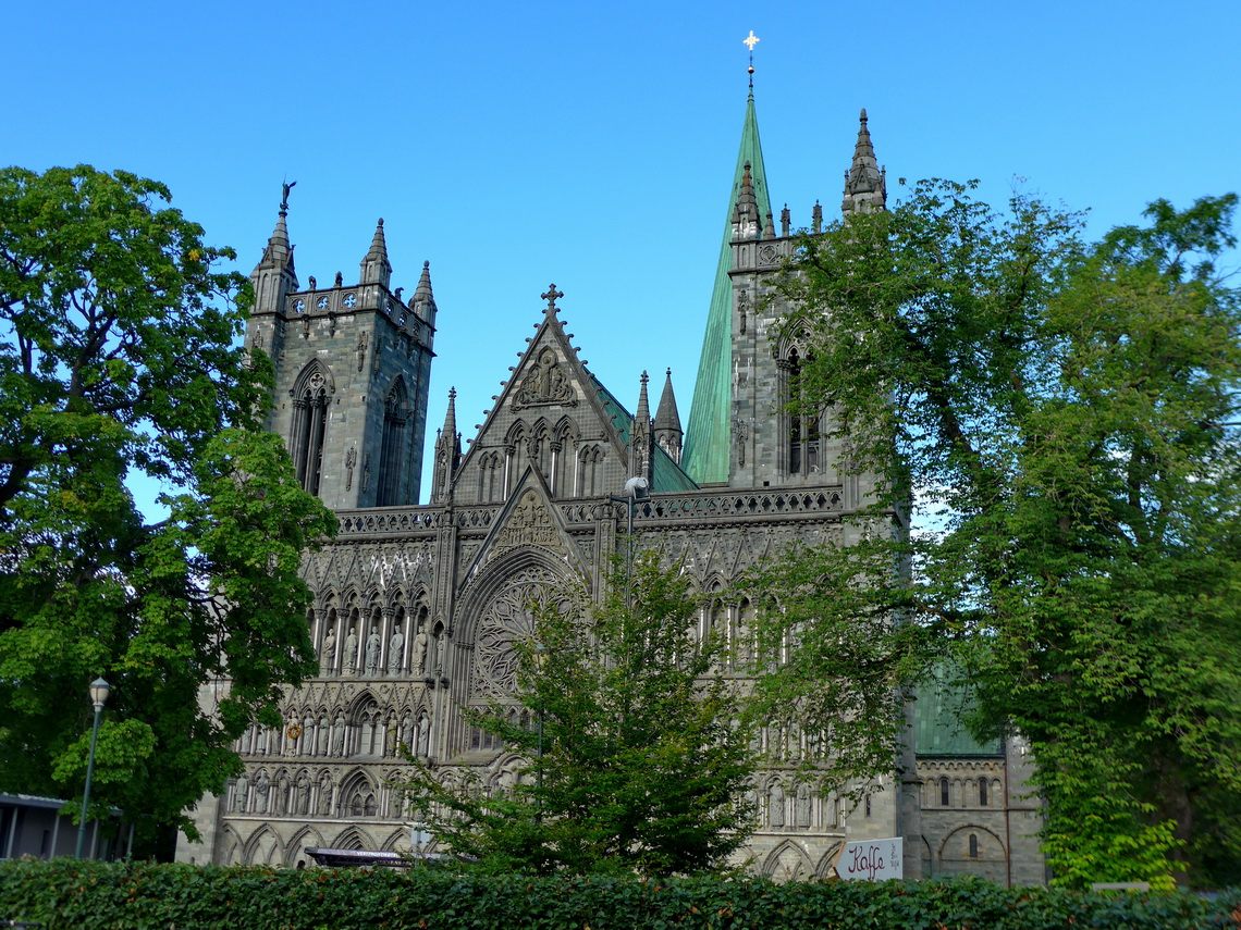 South face of Nidaros cathedral