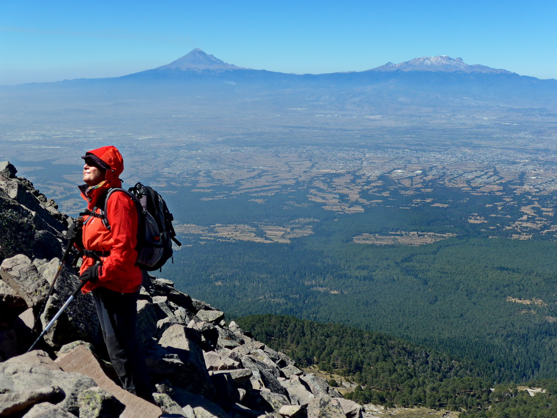 Marion with smoking Popocatepetl and Iztaccihuatl - The sleeping Lady