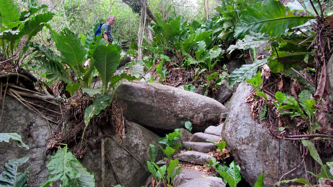 The rocky path to Pueblito