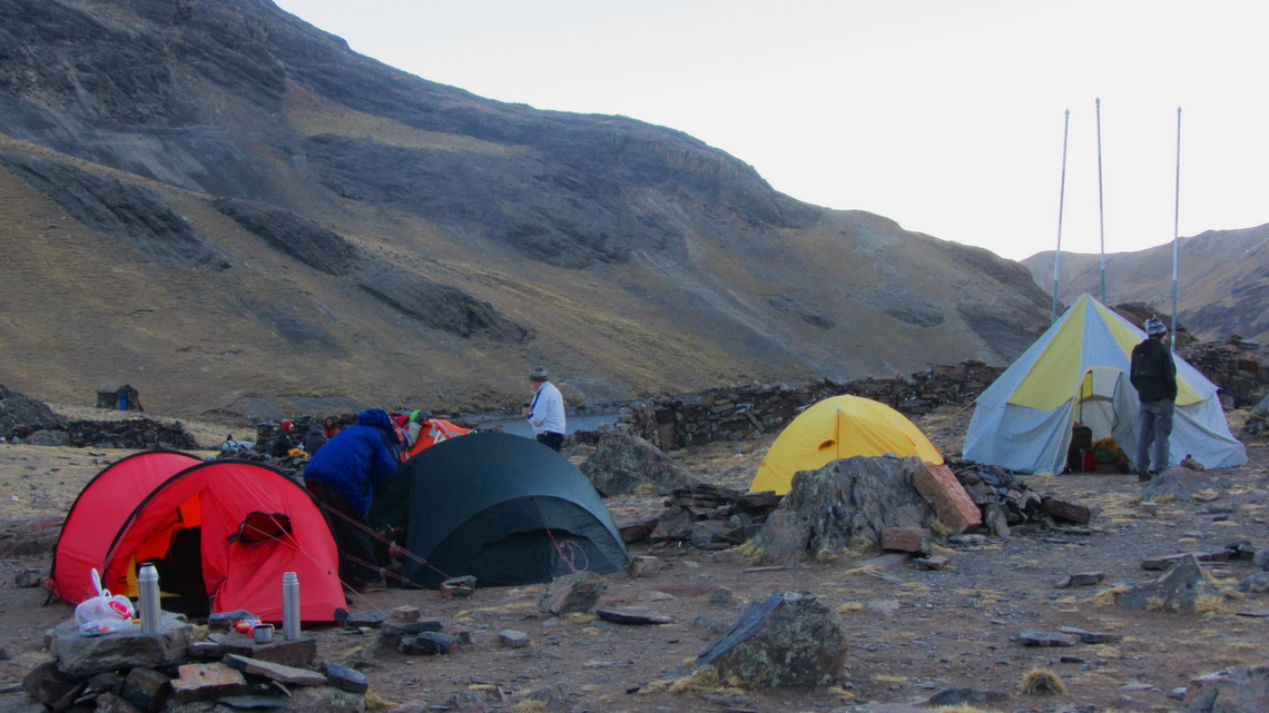 Busy Condoriri base camp