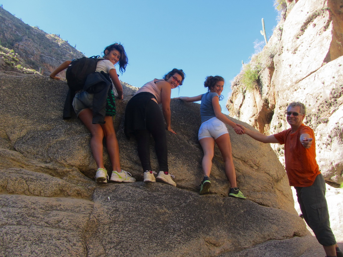 Climbing in the gorge of Rio Colorado with three Argentine Beauties