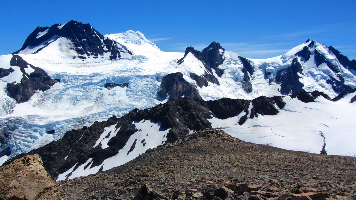 View to West to the edge of Campo del Hielo Sur, the continental southern ice-field