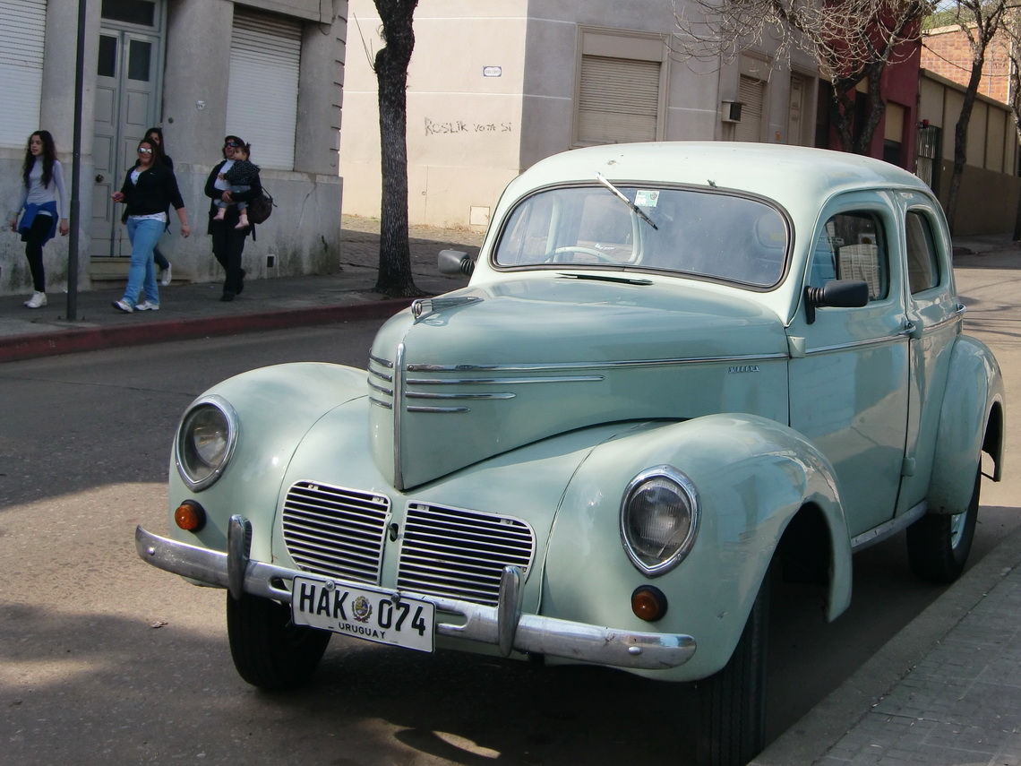 Another beautiful car in Uruguay
