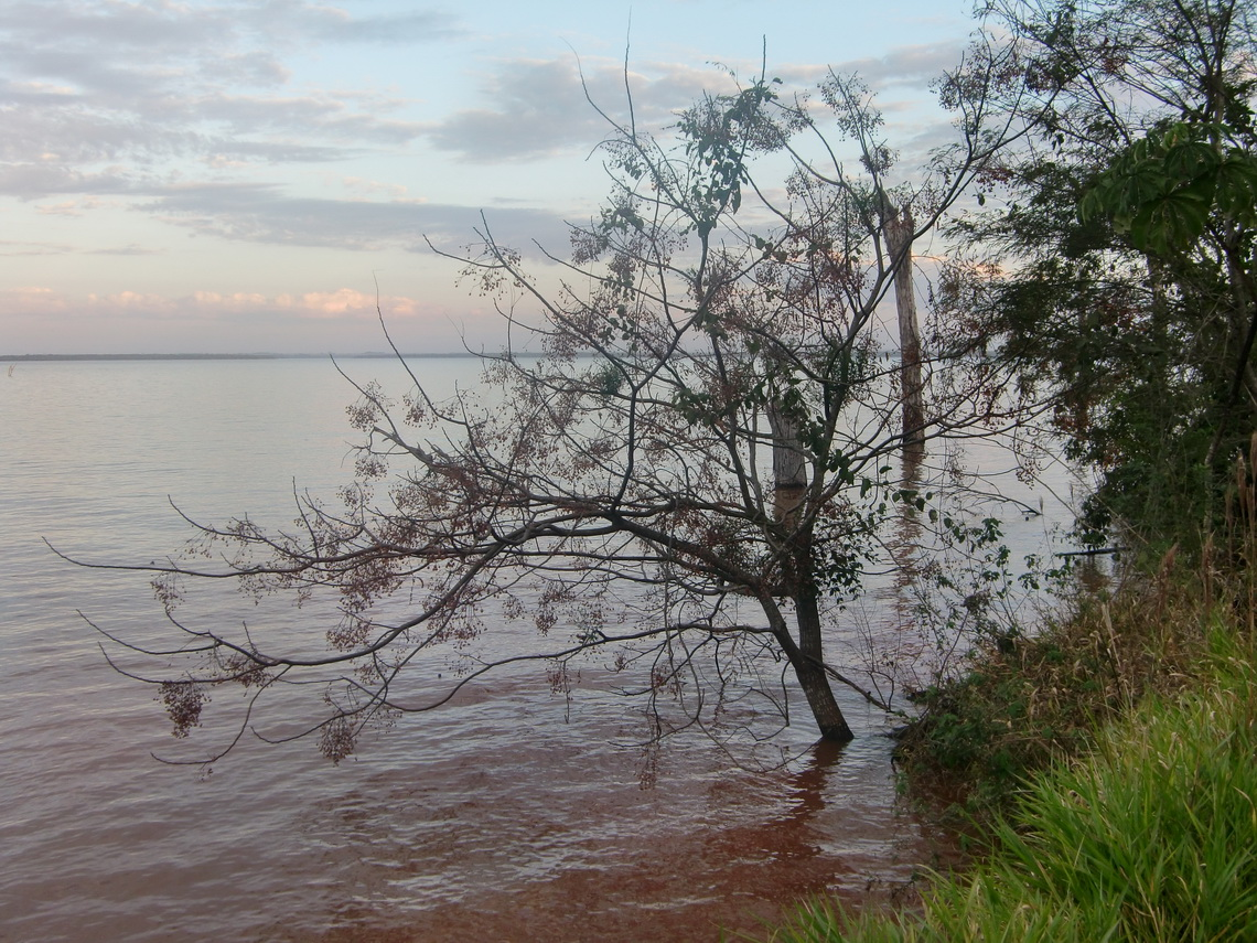 Lake Itaipu at sunset