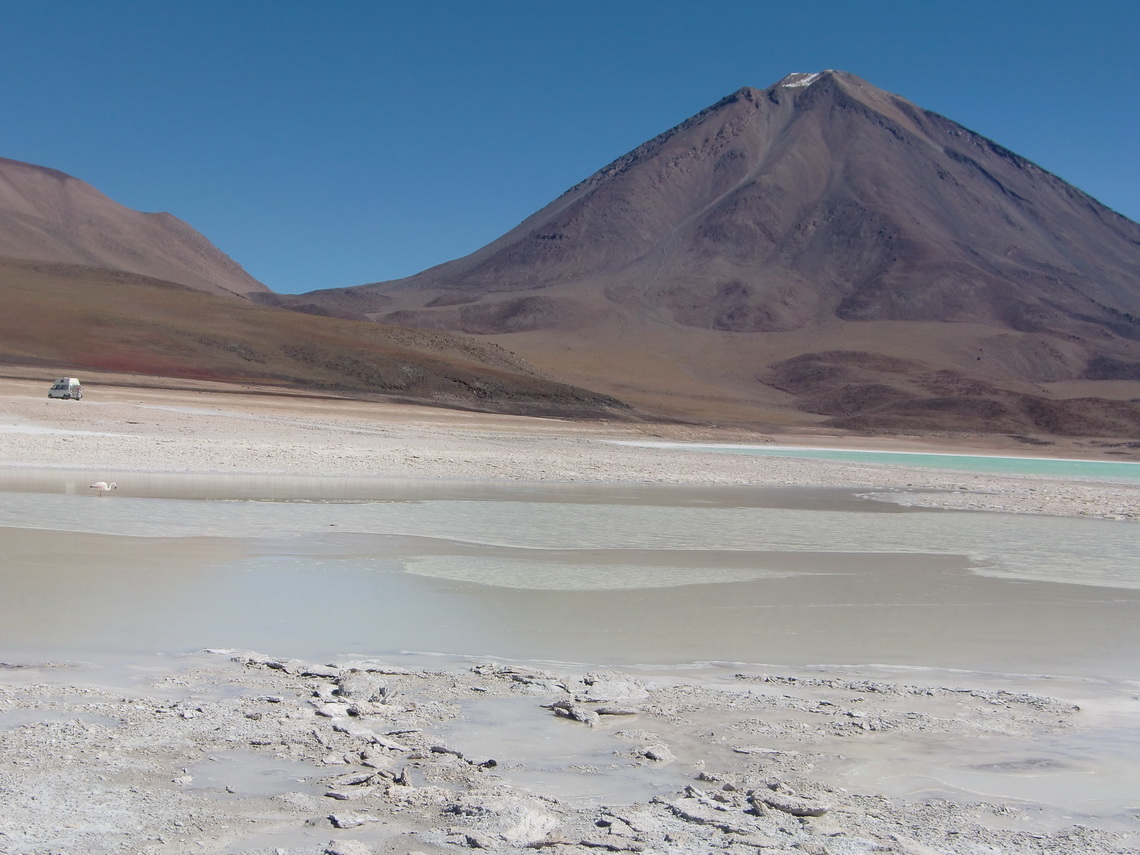Lagunas Blanca and Verde with the Bolivian side of Licancabur